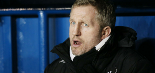 Denis Betts viré de Widnes